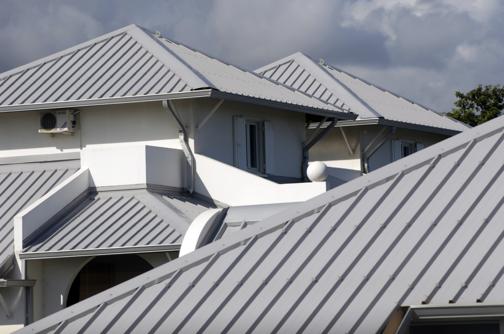 Metal Roofing in Knoxville TN | Apple Tree Roofing | Knoxville TN Roofing Contractors